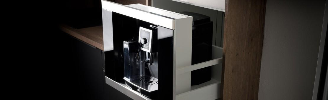 Vytvořte si vestavný kávovar z libovolného volně stojícího kávovaru